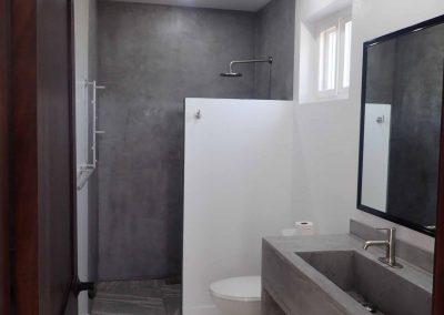 Bay's Edge Belize - 2nd Floor Bathroom
